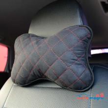 Подушка автомобильная черная с красной строчкой