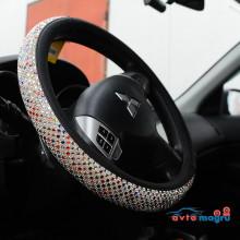 Оплетка на руль с квадратными разноцветными стразами