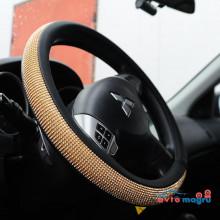 Оплетка на руль с золотыми круглыми стразами